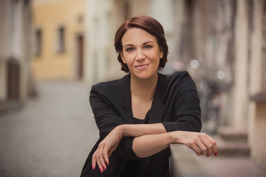 Porträt Birgit Birnbacher