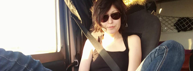 Lisa ist mit einem Truckerboy unterwegs